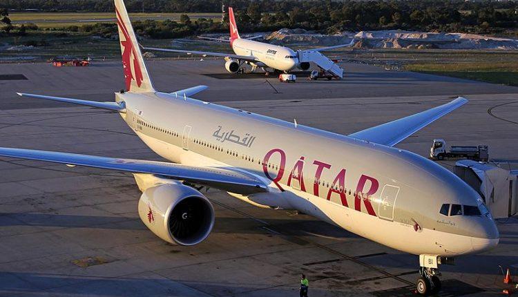 Qatar_Airways_Boeing_777-200LR_Koch-1
