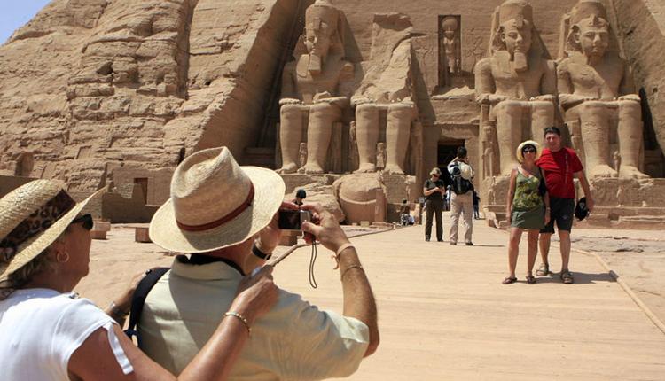 Egypt building Sharm El-Sheikh wall to protect tourists